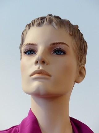 woman-101542_640