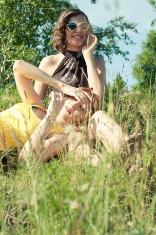 girls-380619_1280