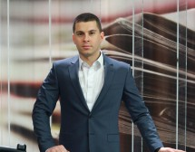 Денислав Борисов става водещ на bTV Новините
