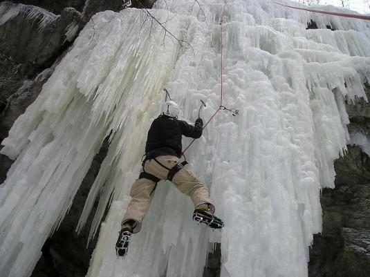 ice-climbing-922_1280