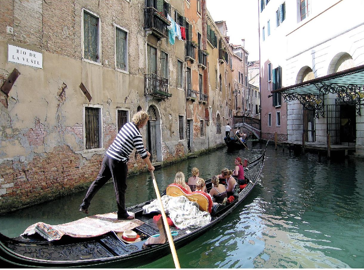 venezia-page-001