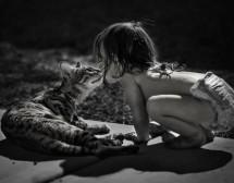 Децата обичат котета, а котетата – деца