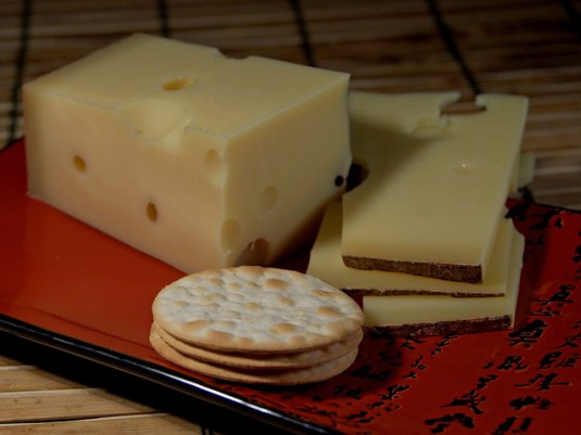emmental-cheese-3507_640