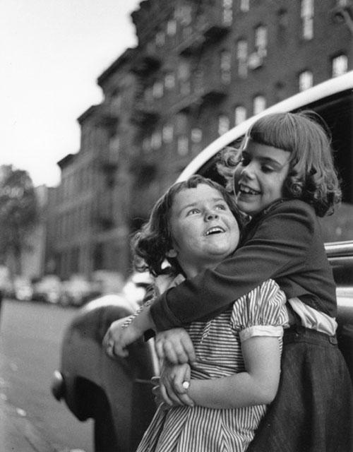 Ruth-Orkin.-Best-Friends,-New-York-City,-1947