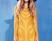 Певицата Foxes в нова кампания за H&M