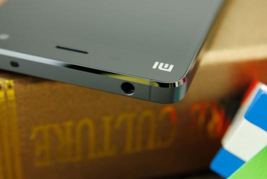 Xiaomi-Mi-4-Black-Hands-on-19