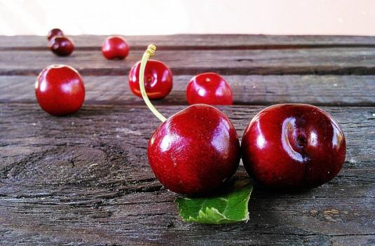 cherries-422468_640