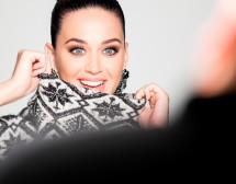 Кейти Пери е лицето на Коледната кампания на H&M