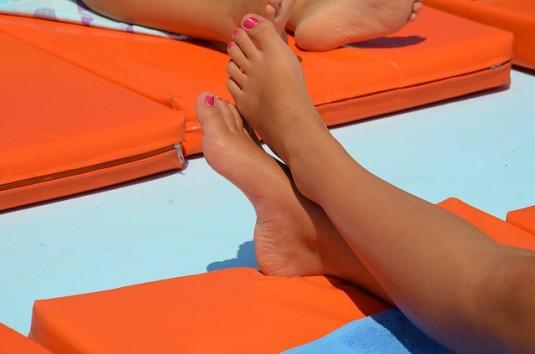 feet-605881_640