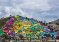 Художници боядисват град, спират насилието