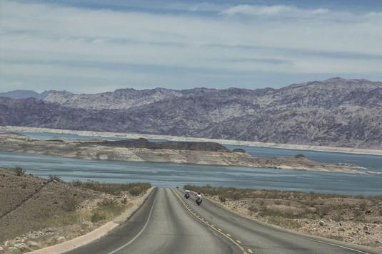 Hoover Dam - директно към изкуственото езеро