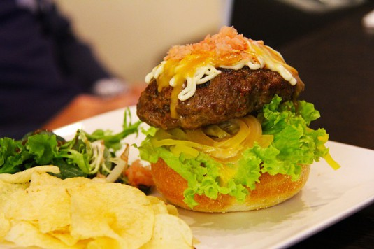 burger-441577_640