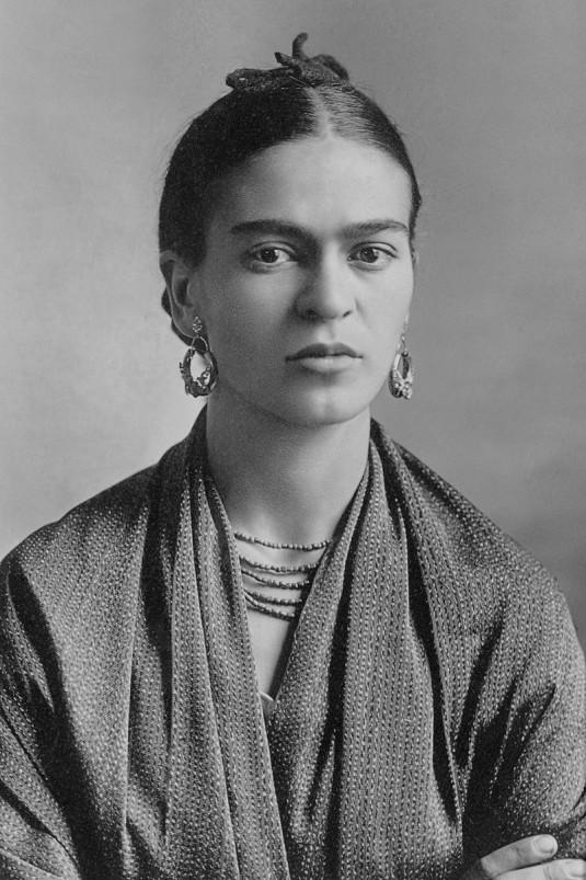 Frida_Kahlo,_by_Guillermo_Kahlo