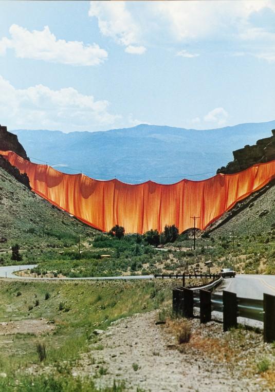 Завеса в долината, 1973