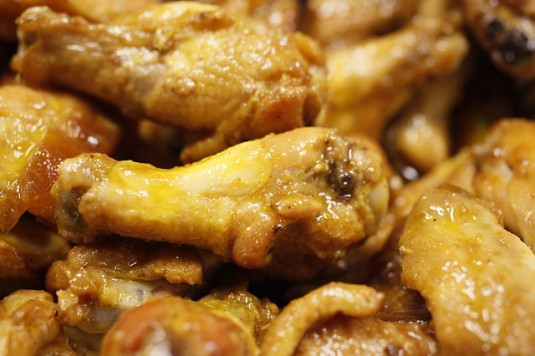 chicken-wings-466556_640