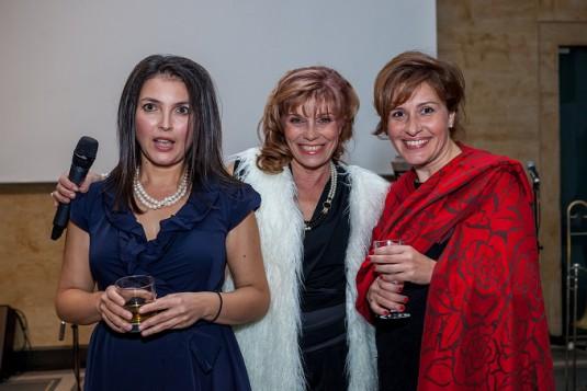 Мира Баджева – председател на борда на издателите, Петя Кръстева – изпълнителен директор и Ана Клисарска – главен редактор