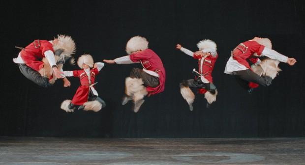 """Танцът спасява създателите на """"Сухишвили"""" от смърт"""