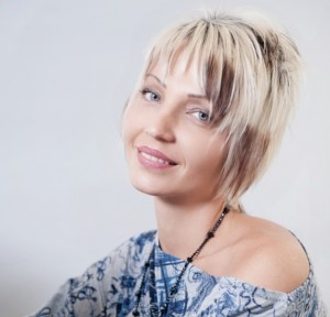 Anastassia-Dimitrova_Zenom-300x288