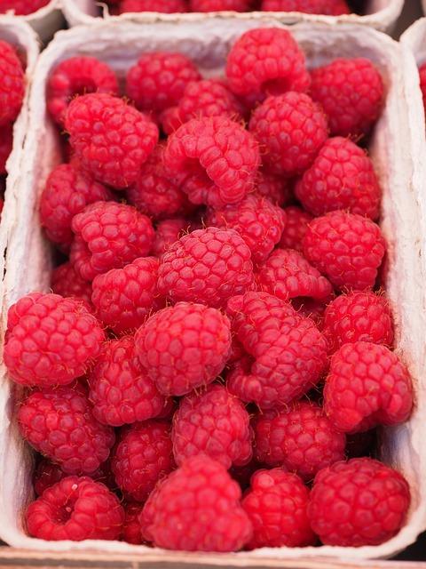 raspberries-499114_640