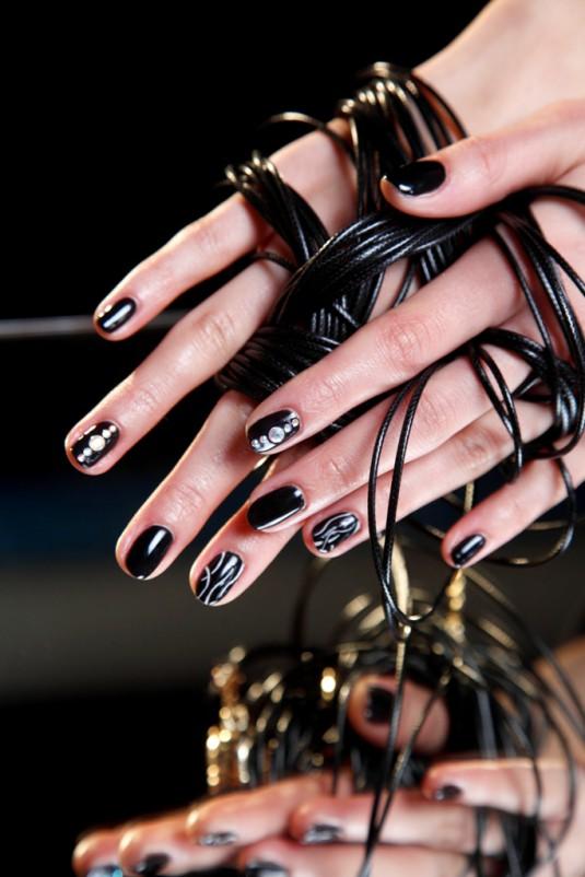 Demons Nails (1)