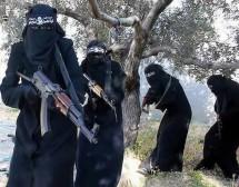 Полицайките на Ислямска държава убиха майка, кърмила на обществено място