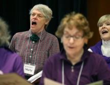 Пеенето в хор помага срещу старческа деменция