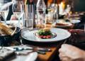 Oбмислят вечерен час за ресторантите и кафенетата в София