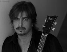 """Първи албум на басиста на """"Сигнал"""""""