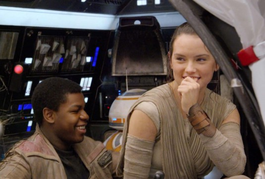 Star-Wars-The-Force-Awakens-Vanity-Fair-John-Boyega-and-Daisy-Ridley