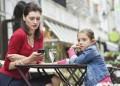 Телефонът или детето?