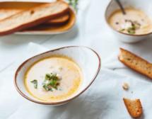 Френска супа с пиле, сирене и крутони с чесън