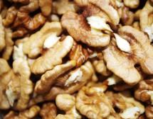 Яжте орехи за добра памет
