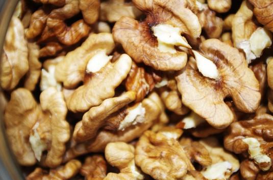 walnuts-1049558_960_720