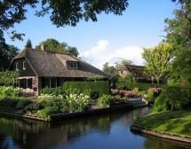 Селото, до което се стига само по вода