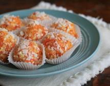 Бонбони от моркови с кокос