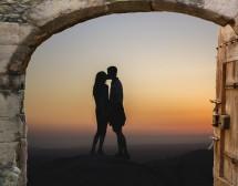 Кои зодии да очакват щастие в любовта през август?