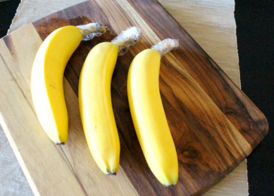7038360-650-1456928015-25ST-banana_plasticwrap