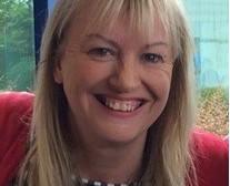 Експертна британска акушерка консултира безплатно бременни