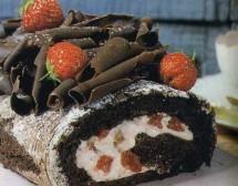 Шоколадово руло с ягоди