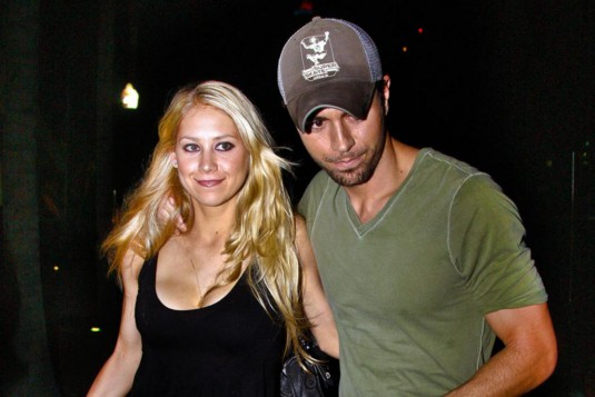 kournikova-and-Iglesias
