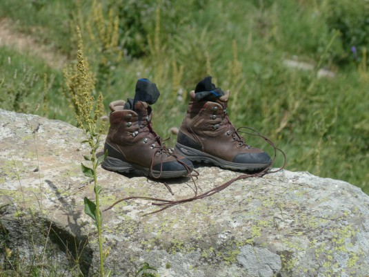 mountaineering-shoes-182910_960_720