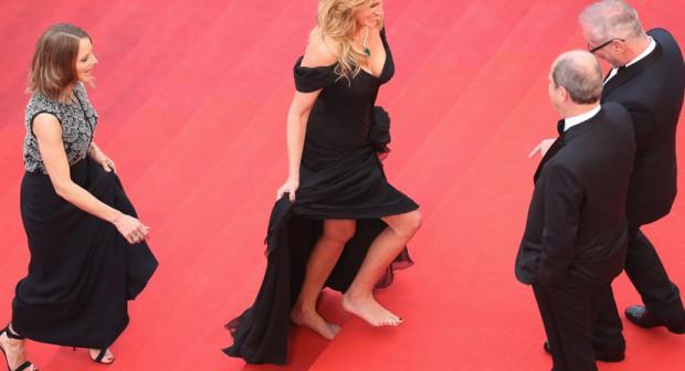 Джулия Робъртс стъпи боса на червения килим