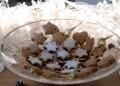 Тарталети с лук, орехи и синьо сирене