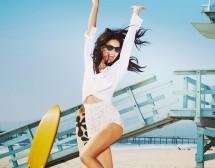 Адриана Лима e новото лице на слънчеви очила VOGUE