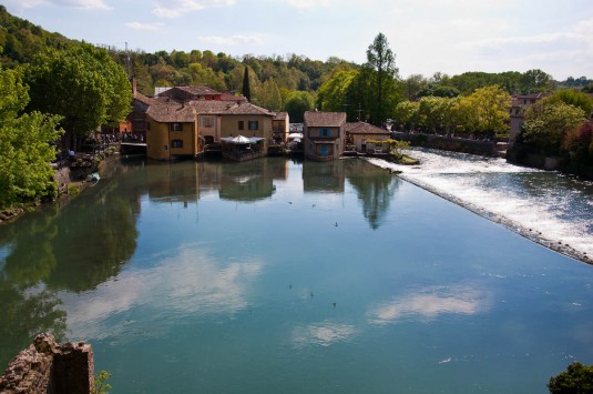 Snimka 3 - Borghetto sul Mincio seen from the Visconti bridge, Italy - www.rossiwrites.com
