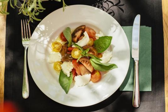 salata-domati