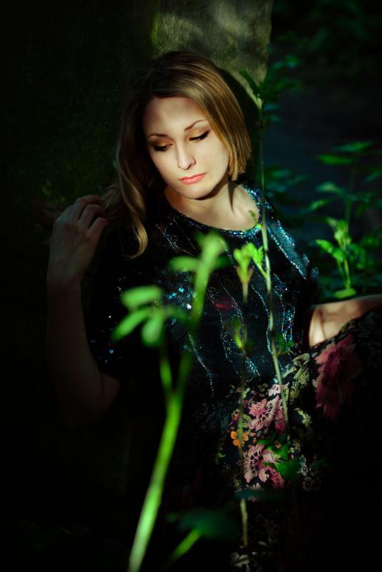 Alice Sitting credit Monika Jakubowska copy