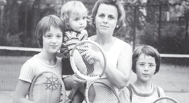На тенискорта от преди рождение