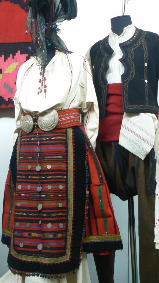 Vratsa-ethnomuseum-19century-festive-costumes-from-Vratsa-region