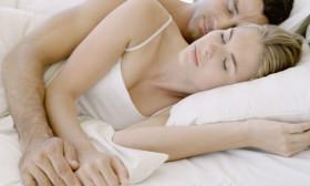 Позата, в която спим, може да облекчи болките по тялото